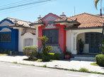 дома традиционной архитектуры в центре города