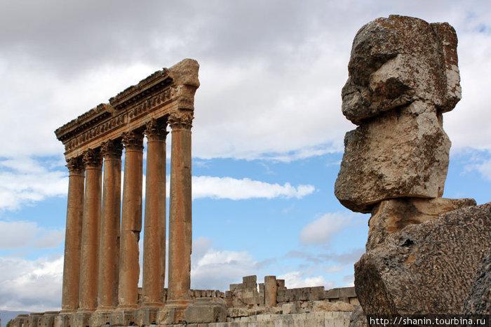 Колонны храма Юпитера