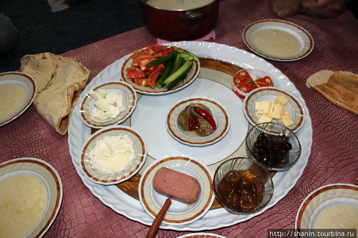 Обычный завтрак в ливанской семье