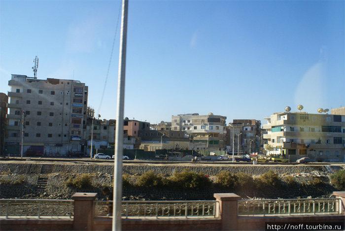 По дороге в Луксор Город Кена