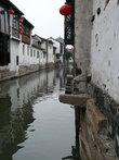 Раньше каналы в данном районе заменяли людям дороги – можно было добраться до Шанхая, а значит, и до любой точки земного шара, хоть до Москвы.