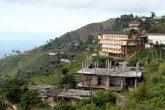 Хапутале расположен на хребте с прекрасным видом на долину
