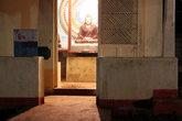 Будда в маленьком храме