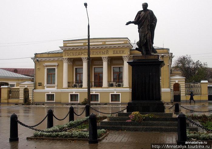 Памятник Александру Первому