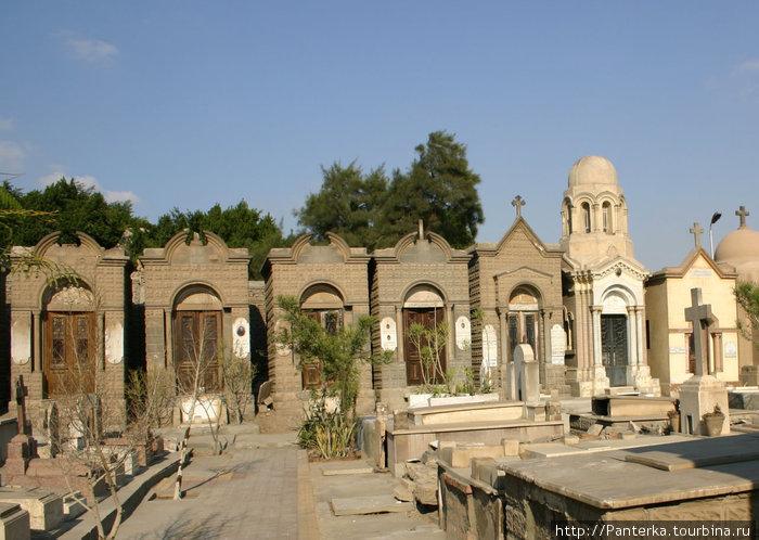 Старое коптское кладбище