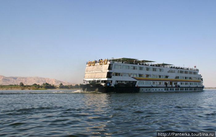 Такие вот корытца бороздят воды Нила