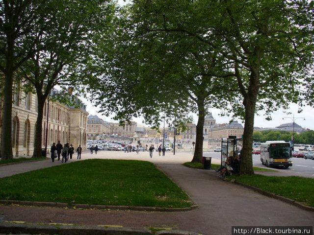 Бульвар перед Версальским дворцом
