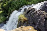 Водопад у основания скалы Элла Рок