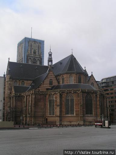 Вид на церковь с восточной стороны