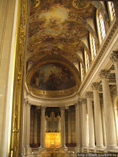 Интерьер Весральской церкви