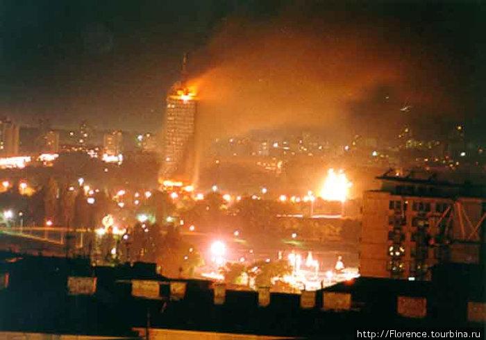 Башня в 1999 году (фото из Википедии)