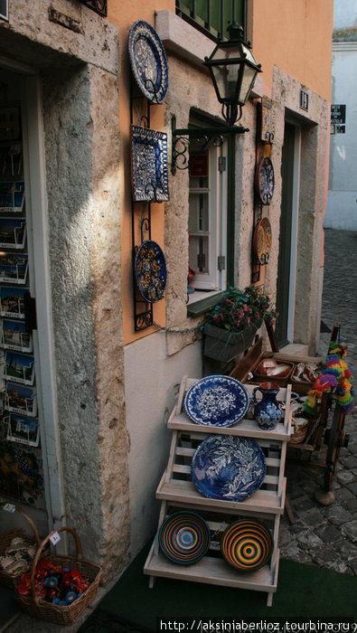 магазинчики с расписной португальской посудой
