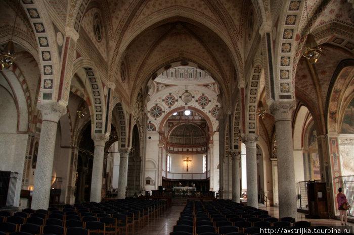 интерьер церкви Санта-Мария-делле-Грацие в Милане