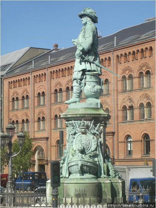 Памятник датскому адмиралу
