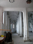 Христианская церковь внутри. На фото не видно, но алтарь на месте