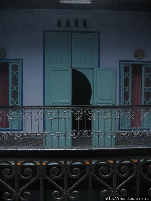 На внутреннем балкончике отеля в Шефшауэне