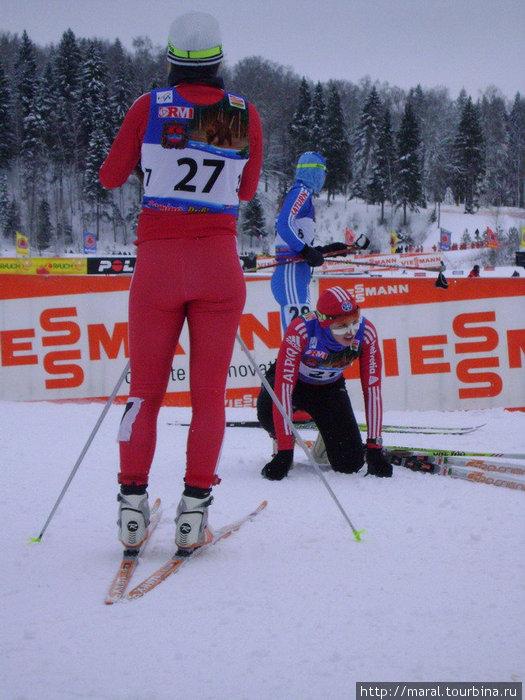 Даже получившие закалку в Альпах швейцарские лыжницы на финише в Дёмине валились от усталости