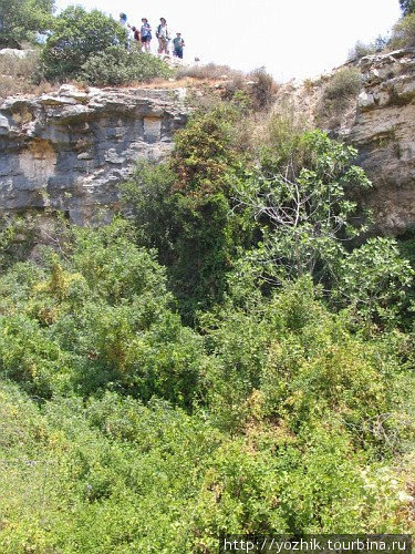 Пересыхающий водопад в Вади Дир Инон — единственный в Самарии. ©shurikls (2008 г.)