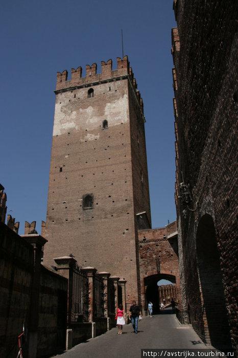 замок Кастельвеккьо