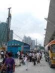 Отправляться нужно было, понятное дело, с ненавистного и омерзительного Шанхайского автовокзала, не южного, а главного. По пути погружаемся в китайскую жесть.