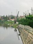 По городку протекают речушки