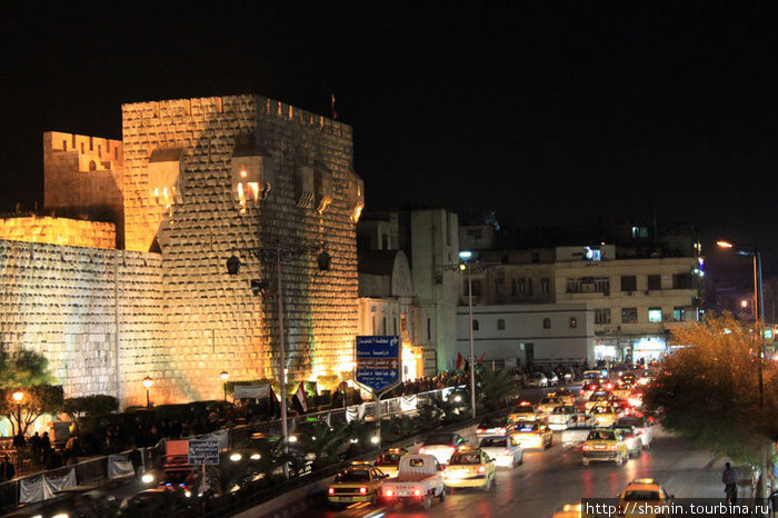 Такси у стен Старого Дамаска