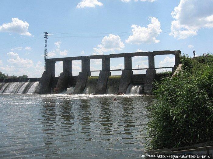 Плотина Бугской ГЭС.