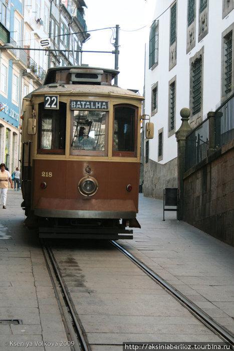 трамваи в Порту, кажется, чуть постарше лиссабонских