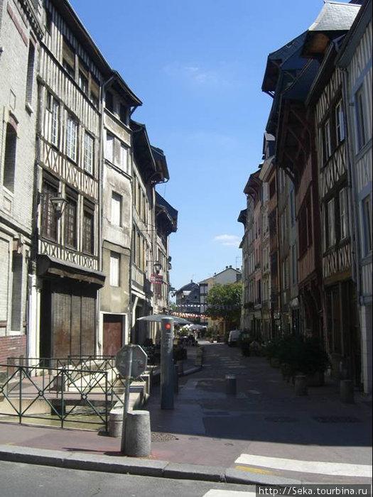 Старинные улочки и дома
