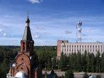 Ржевский узел связи и храм на переднем плане