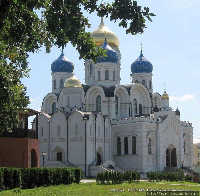 Свято-Никольский и Спасо-Преображенский соборы.
