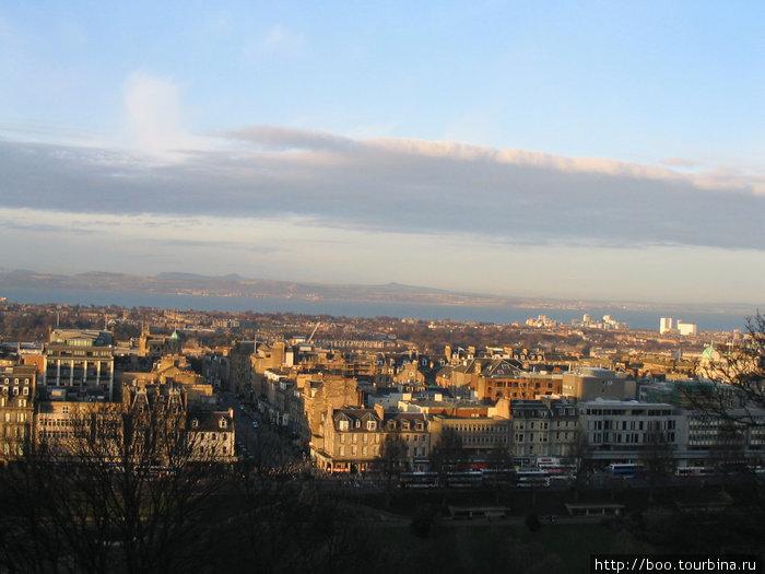 панорама города с высоты Эдинбургского Замка