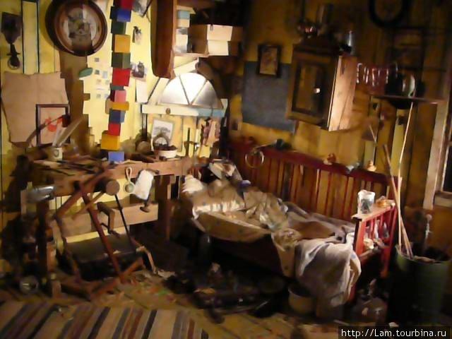 комната Карлсона