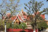 Буддистские храмы все очень красивые