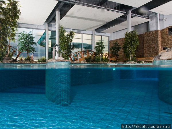 Сам аквапарк, бассейн — река. Фотография с сайта Holiday Club