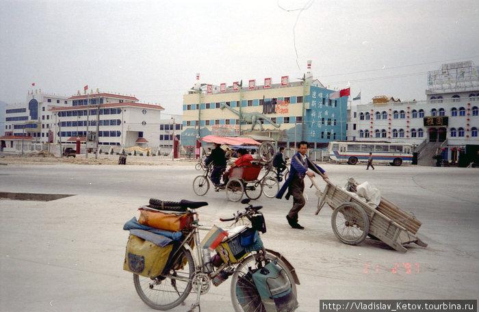 На площади в одном из китайских городков