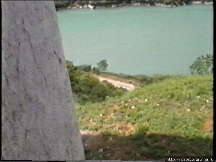 Вид с утёса на реку
