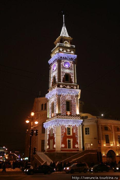 Похожая на ратушу башня Думы