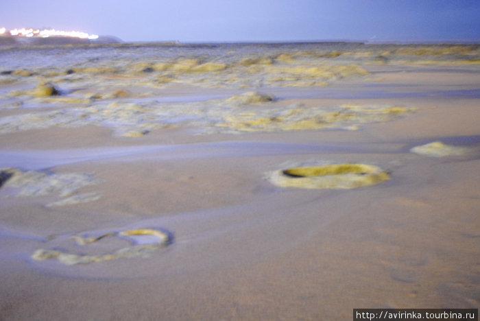 Песок в момент вспышки молнии