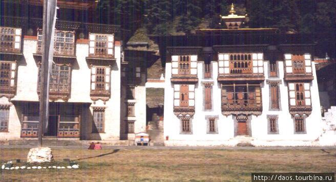 Курджей-лакханг, монастырь Падмасамбхавы