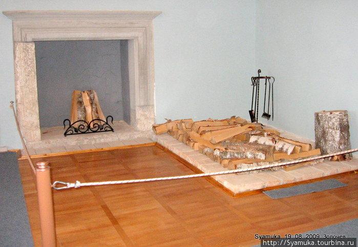 Дворец отапливался печами и каминами.