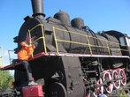 Паровоз на станции Харп. Относится к серии Э, выпускавшейся с 1912 по 1957 гг. Всего их было построено около 11 тысяч — это самый массовый паровоз в мире.