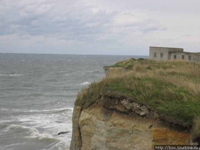 развалины советской воинской части