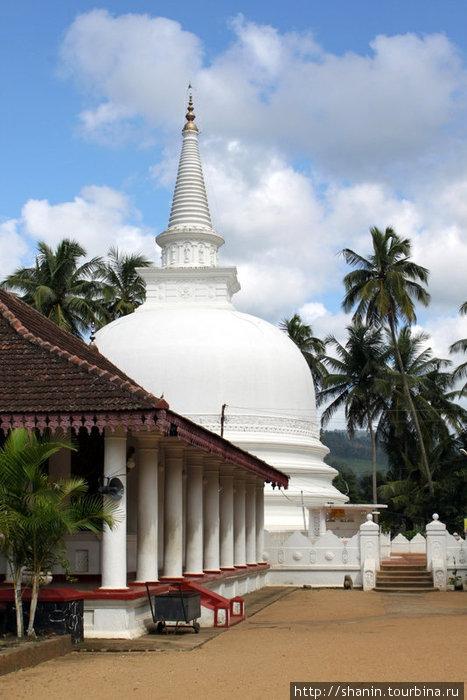 Ступа в монастыре Мутиягана Вихара