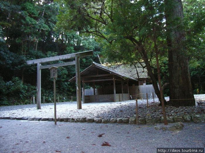 Гэку — внешнее святилище