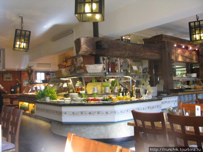 Салат бар маленькая тарелочка 4.90, большая 5.90