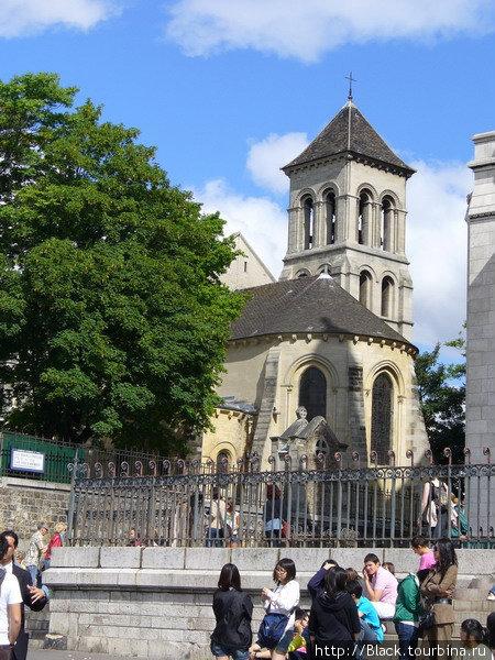 церковь Сен-Пьер на Монмартре