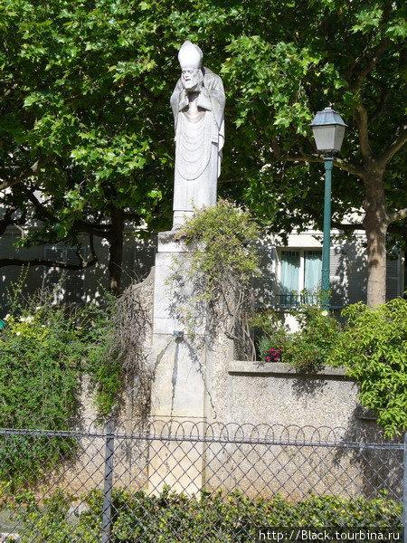 Скульптура Святого Дионисия