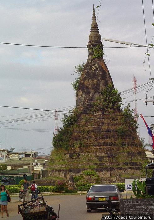 Пагода Тхат Дам