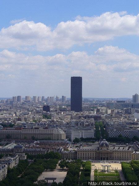 Бавшня Монпарнас с Эйфелефой башни (увеличение)